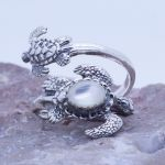 sea turtles spoon ring with gemstone