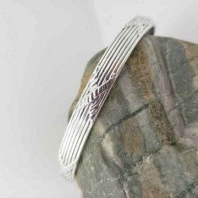 men thick x pattern cuff bracelet