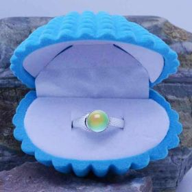 Mako Mermaid ring with 7mm color changing-moodstone Cabochon